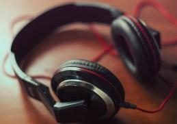 List of Top Premium Earphones Headphones under 1000