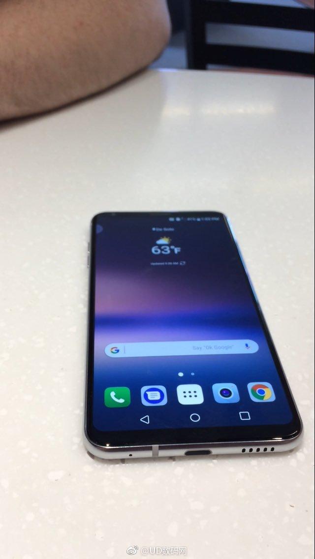LG V30 Live image