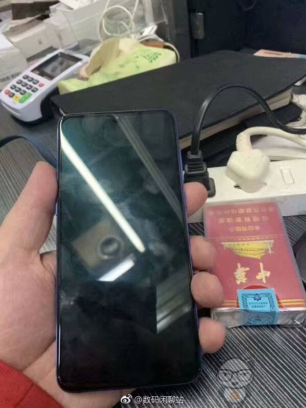 Xiaomi Mi 9 hands-on images reveal a waterdrop notch & triple cameras 5