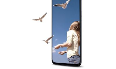 Samsung Galaxy A90 has a notchless infinity display