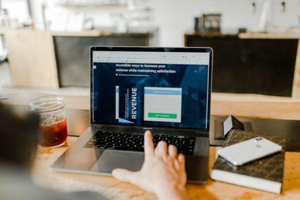 Sales Funnel Vs Regular Website