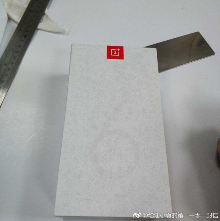 OnePlus 6T Retail box Leaked