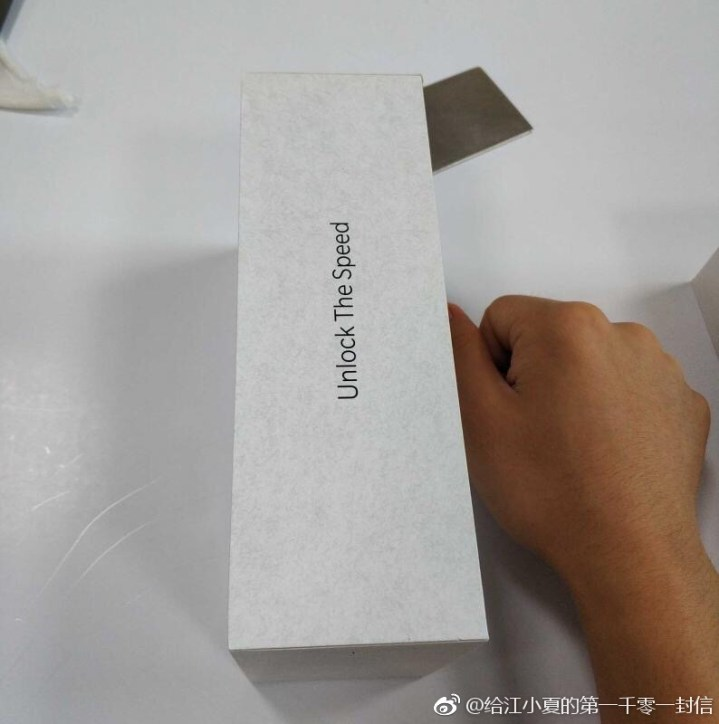 OnePlus 6T Retail box Leaked