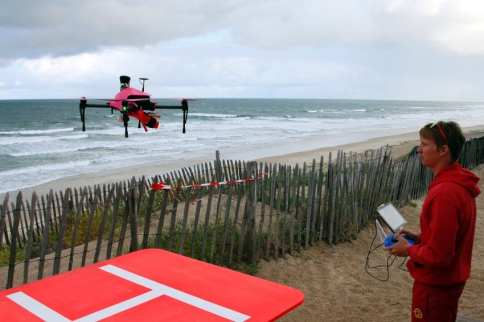After a successful trial period, the rescue drones are used in the high season until September on the Atlantic coast of France | Bob Edme/AP