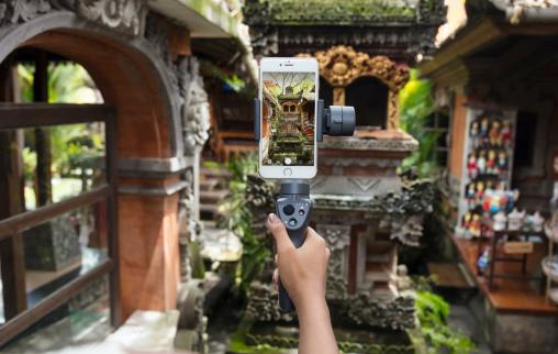 DJI reveals new Osmo Mobile 2 gimbal stabilizers ahead of CES 2018 0002