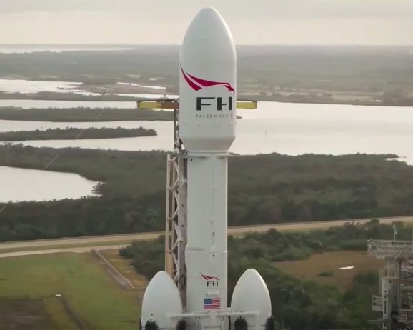 Drone video shows SpaceX's Heavy launch vehicle at Launch Complex 39A 9