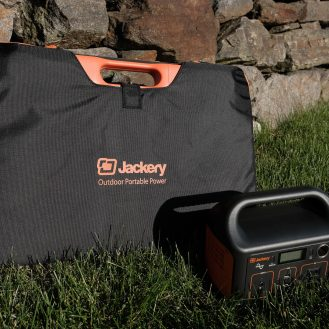 DroneDJ review of the Jackery 240W Battery Charger and Solar Panel 0002