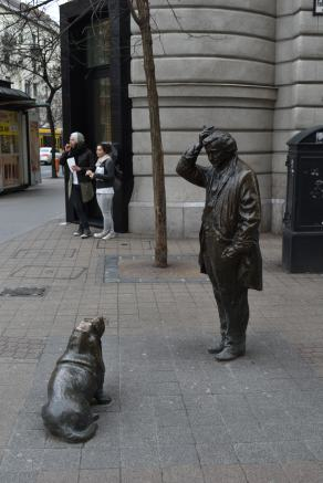 Columbo statue, Budapest