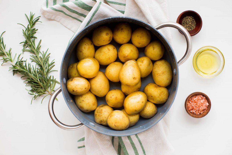 Golden Garlic Smashed Potatoes 1