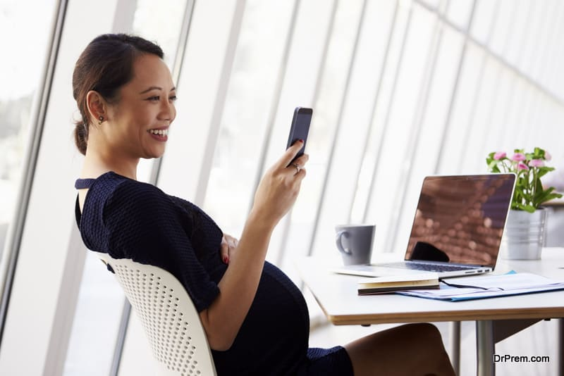 How To Dress For Work During Pregnancy