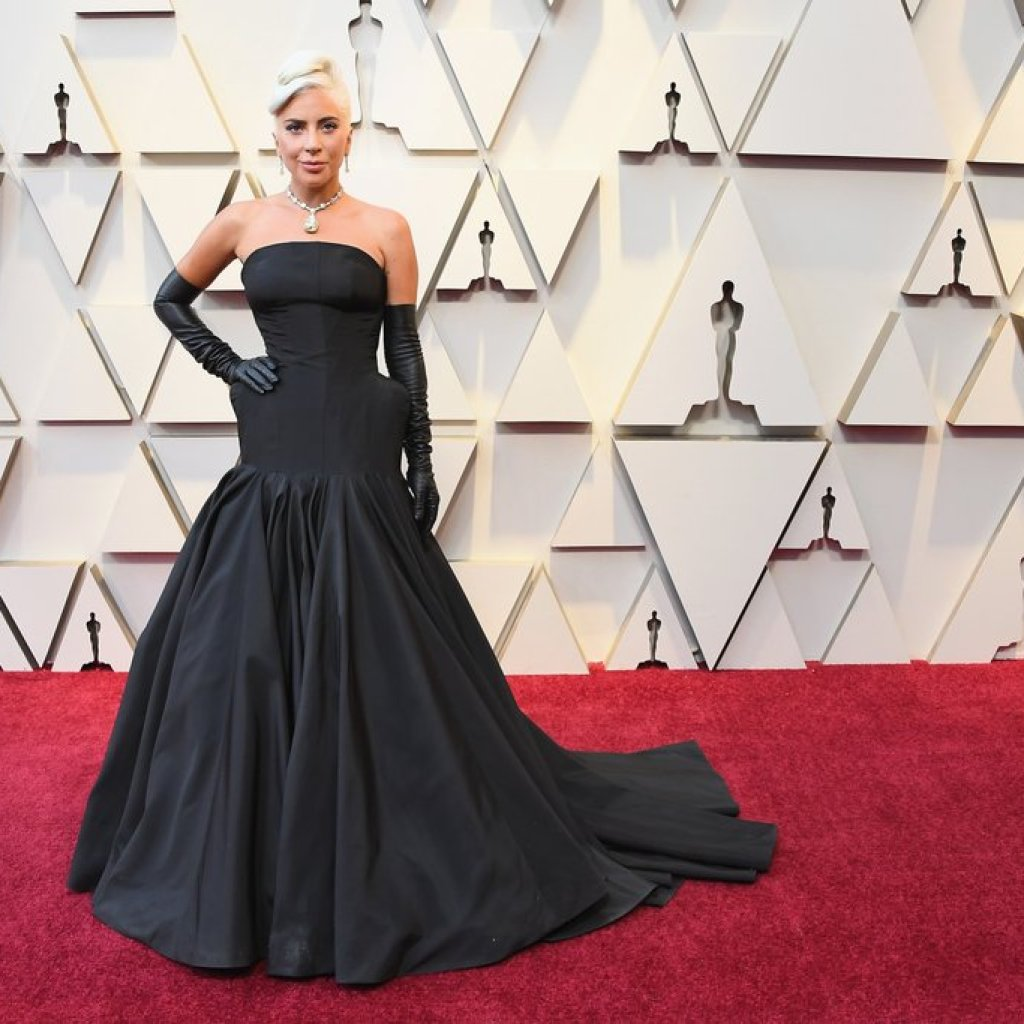 Lady Gaga Wears Tiffany Diamond Necklace on Oscars 2019 Red Carpet