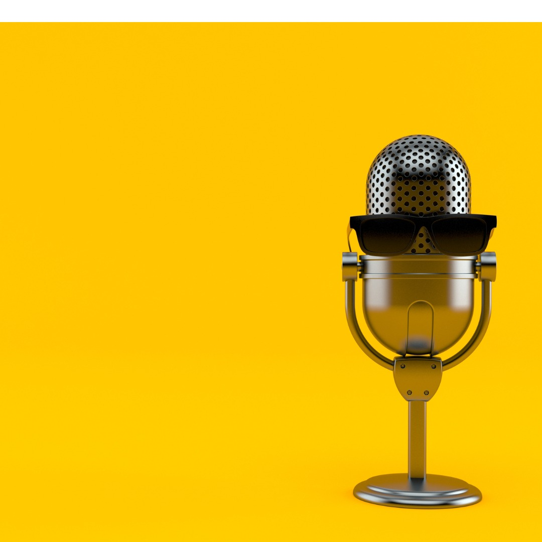 radio-microphone-with-glasses-picture-id1018599102 (11)