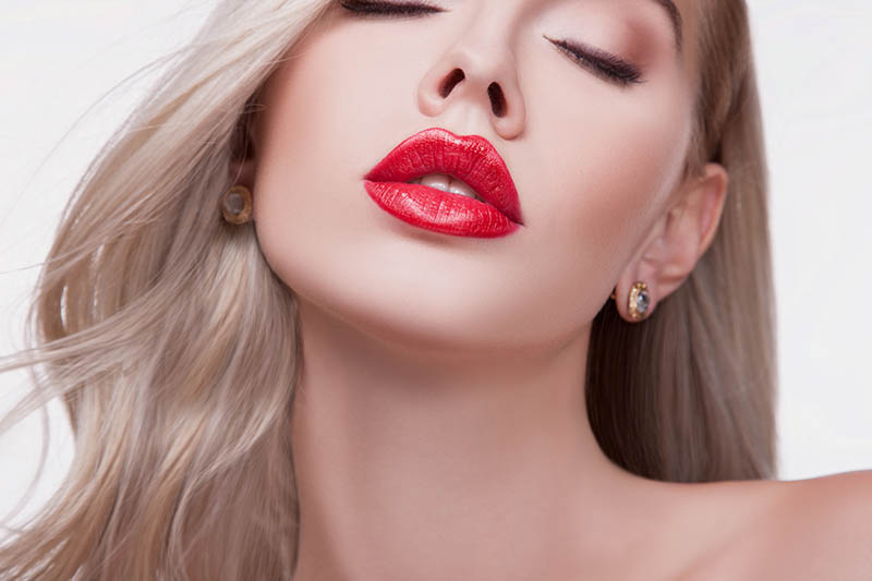 How to Get Mejores Labios in Los Angeles