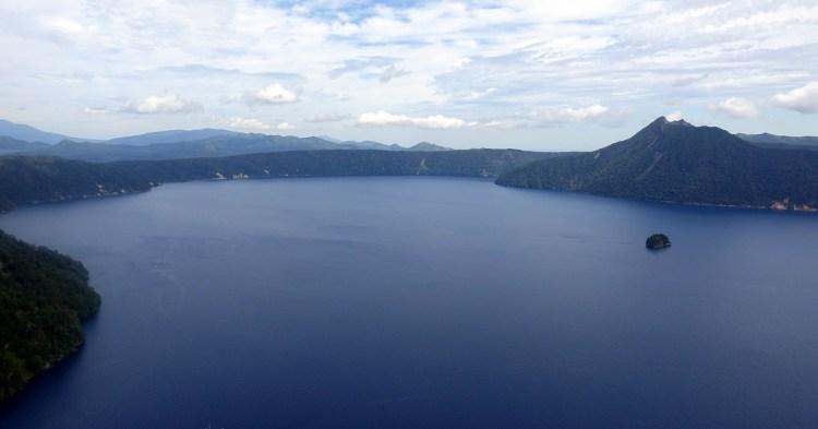 掀起你的面紗來 湖水正藍–北海道道東摩周湖