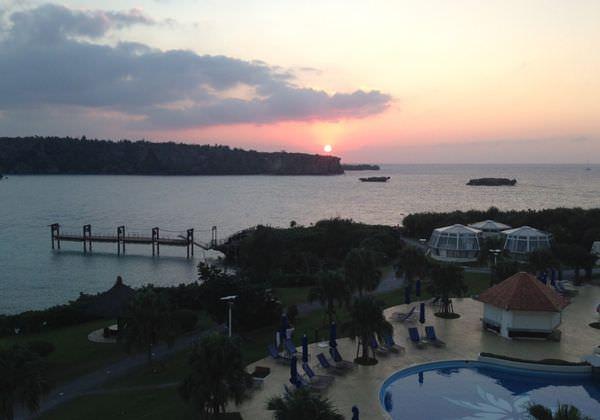 開門見海–沖繩ANA萬座海濱洲際酒店 飯店主棟&房間&餐廳篇