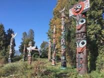 More totem poles!