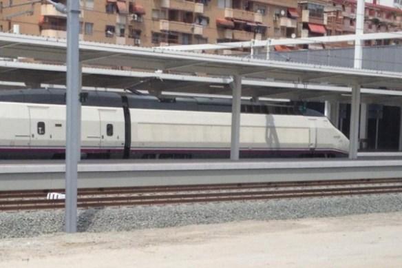 Los andenes del AVE en Alicante son los numerados del 7 en adelante
