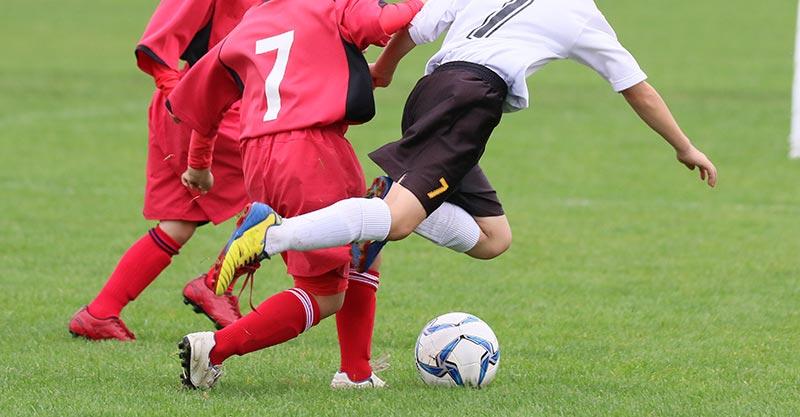 Une étude a montré que les enfants minimisent leurs blessures afin de continuer à jouer.