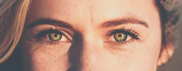 бръчки под очите