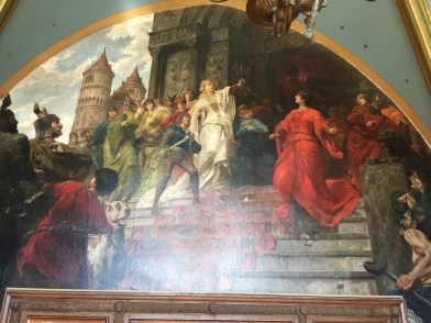 Most rooms have a mural, this was one of them