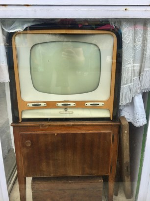...and this TV