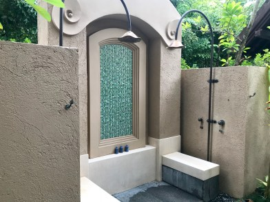 Twin outdoor showers, too!