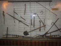 Assorted torture tools