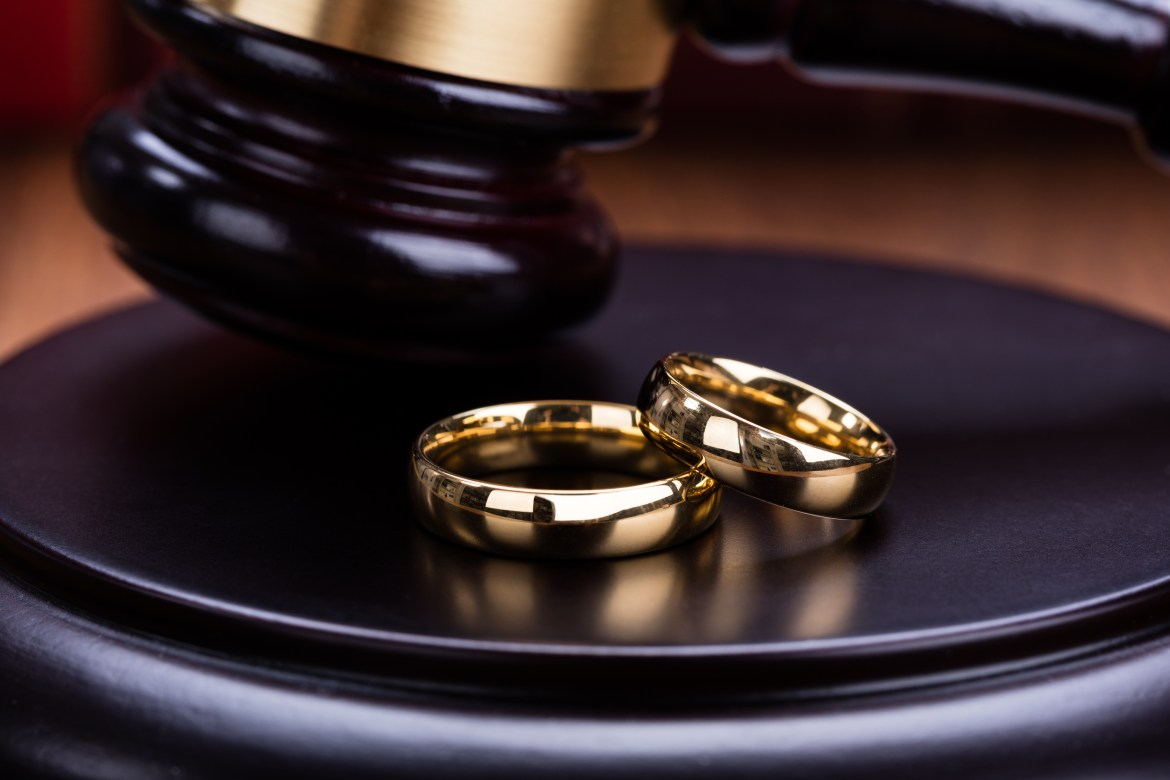 Maples Family Law - What to Wear To Divorce Court in Stockton, CA