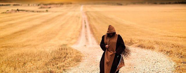 monks-1077839_640