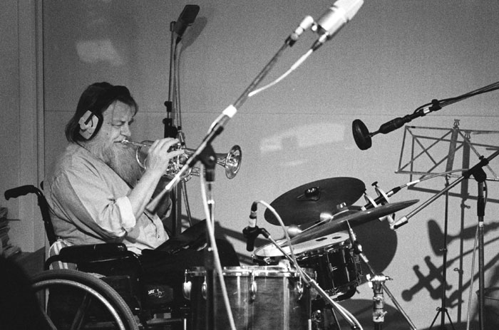 Sunday Sounds: Pink Floyd & Soft Machine Perform Benefit Concert For Drummer Robert Wyatt