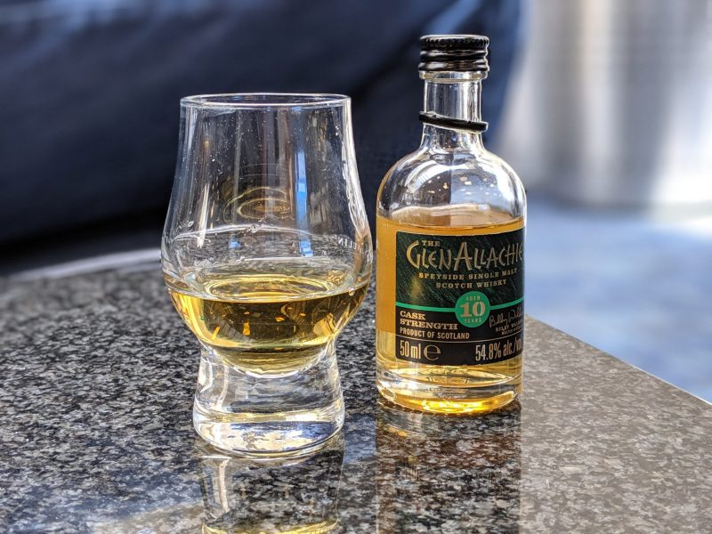 Image of whisky and wisky drinking glass