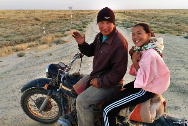 Казахстан. Казахи на мотоцикле.