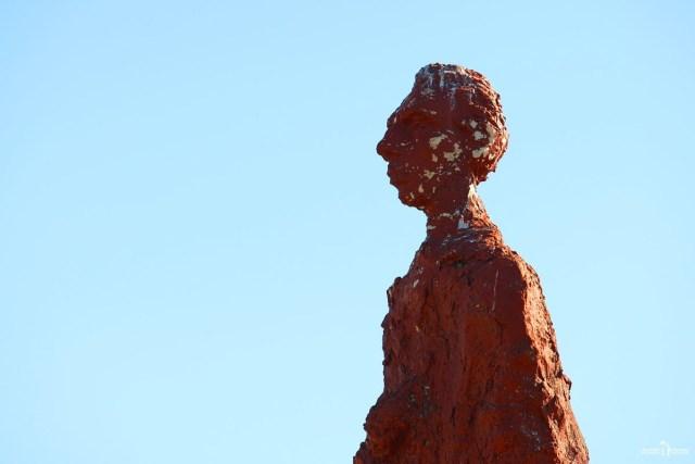 Памятник Велимиру Хлебникову. Калмыкия