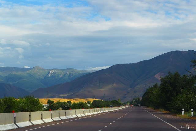 Дорога в Киргизии