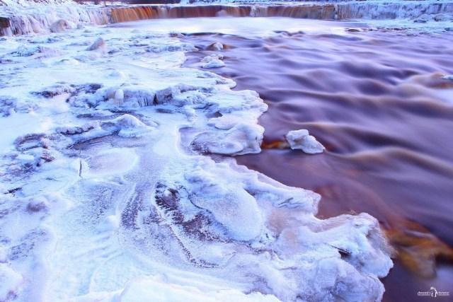 Тосненский водопад зимой