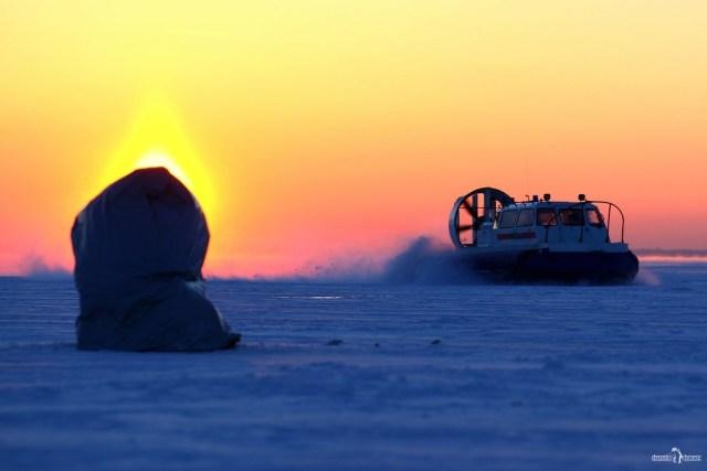 Зимняя рыбалка. Как доставали утонувшую машину