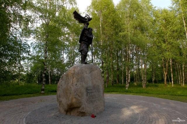 На авто в Вытегру. Памятник. Н.А. Клюеву