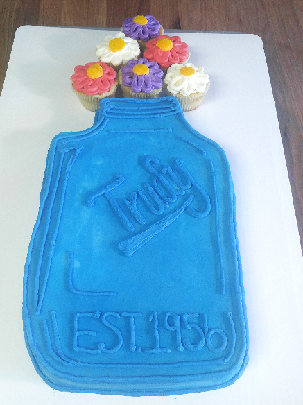 1/2 sheet mason jar w/ flower cupcakes