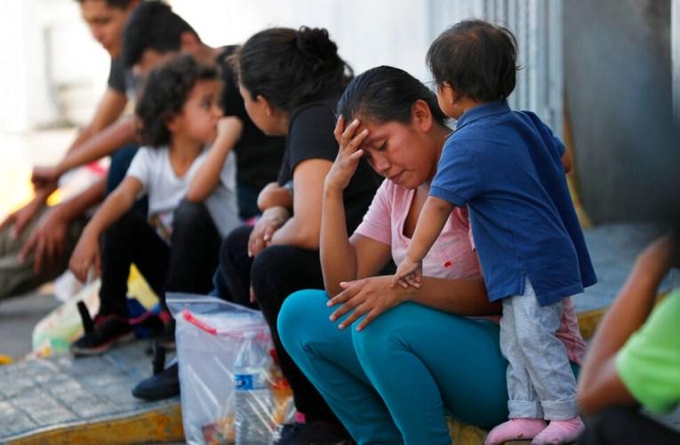 Bajan 30% detenciones de migrantes en la frontera México-EE.UU.