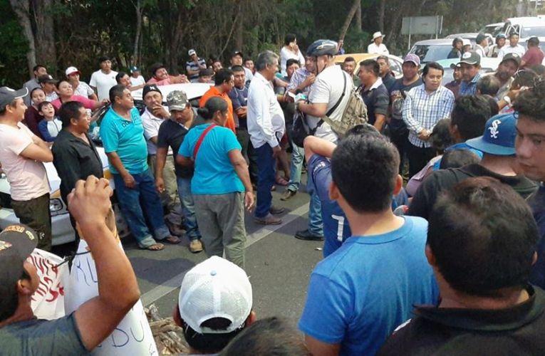 Productores de piña bloquearon por casi dos horas entrada a Chetumal