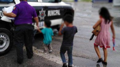 Photo of Rescatan a tres niños que mendigaban en El Crucero de Cancún