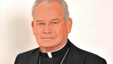 Photo of Monseñor Pedro Pablo Elizondo, libre de Covid-19