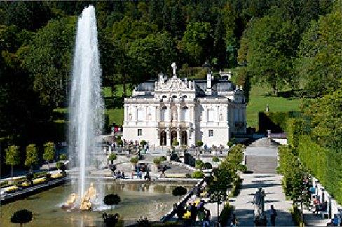 LUDWIG II AL BAVARIEI Palatul Linderhof