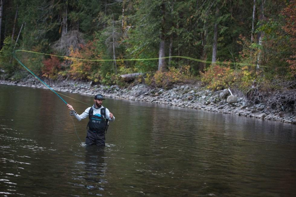 DRYFT S14 fishing waders - fall backcountry fishing