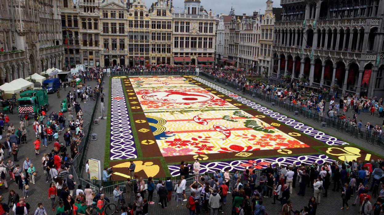 inauguration du tapis de fleurs qui met