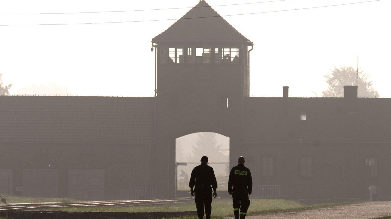 """Varsovie va punir de trois ans de prison l'expression """"camps polonais"""""""