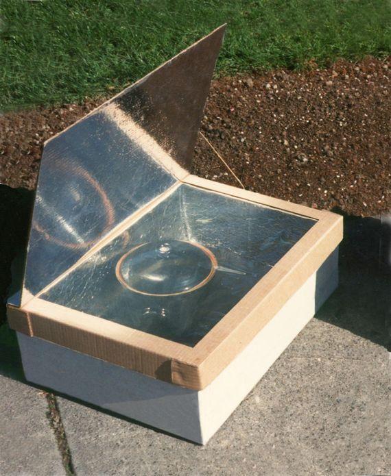 """La Boite-Four solaire """"Minimum"""" : un four solaire qui se fabrique rapidement à partir de deux boites en carton"""