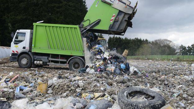 Seuls 4 % des déchets suédois finissent dans une décharge à ciel ouvert.