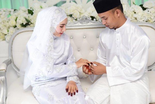 Image result for Tidak Mengharapkan Hadiah pernikahan