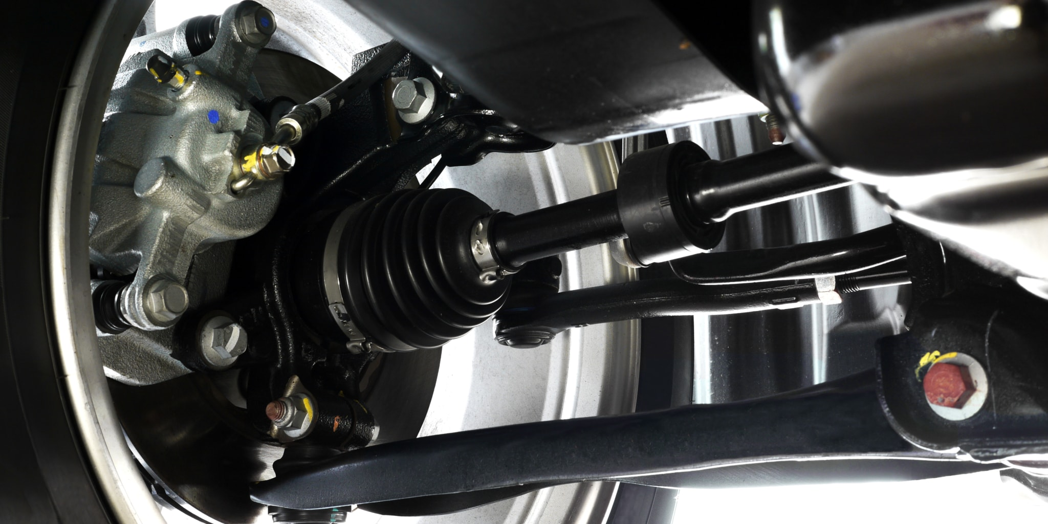 Top 3 Drive Shaft Problems and How To Identify It Yourself